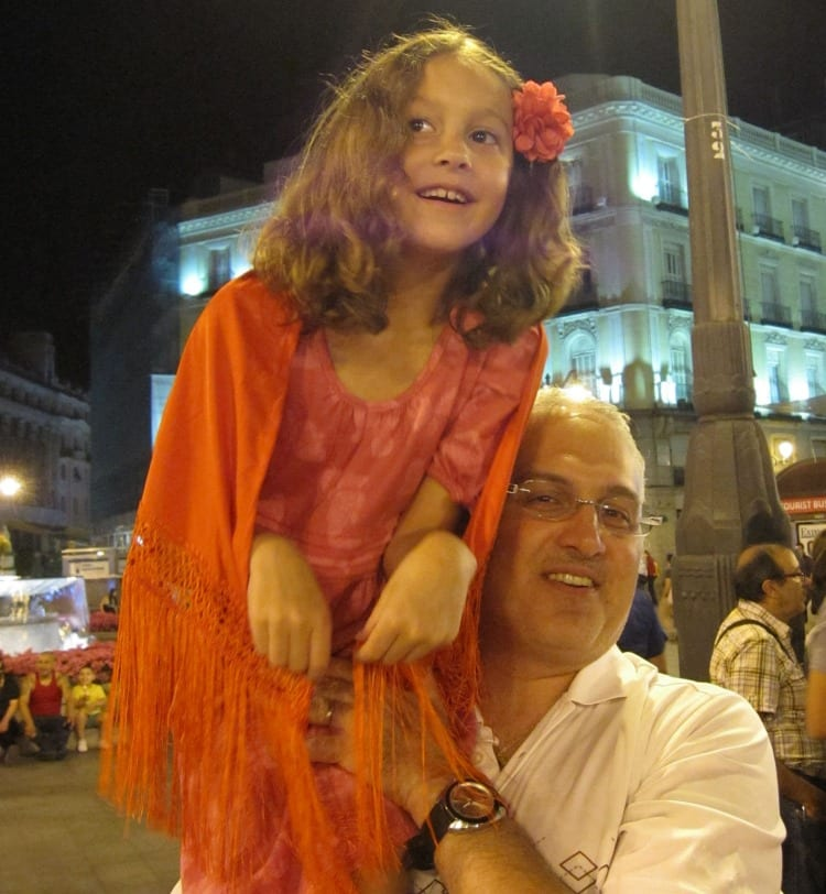 Puerta del Sol at Night | What to do in Madrid with Kids | We3Travel
