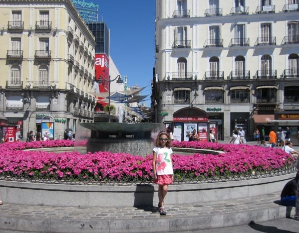 Fountain in Puerta del Sol Madrid | What to do in Madrid with Kids | We3Travel