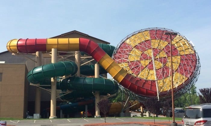 5 Reasons to host your tween's birthday party at the Great Wolf Lodge -- free unlimited ice cream, special birthday wolf ears and so much more.