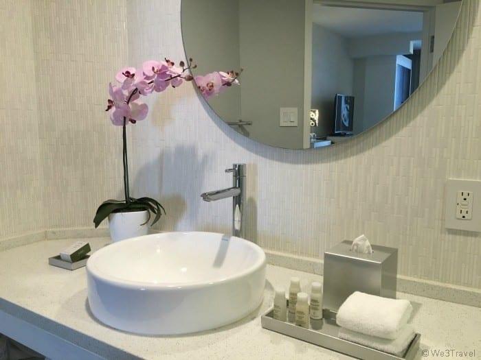 B Resort bathroom