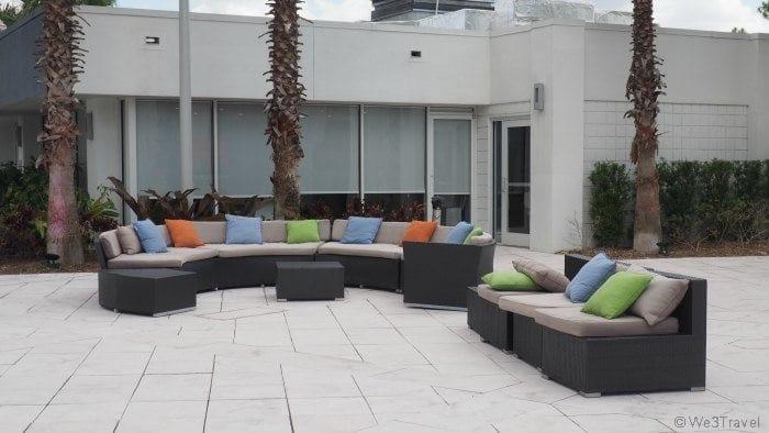 B resort Orlando courtyard