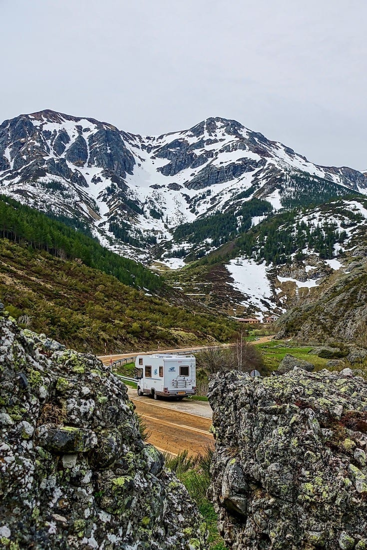 Tips for renting an RV for your next family vacation from a full-time RVers -- where to look, what to get and what you need to know before your rent.