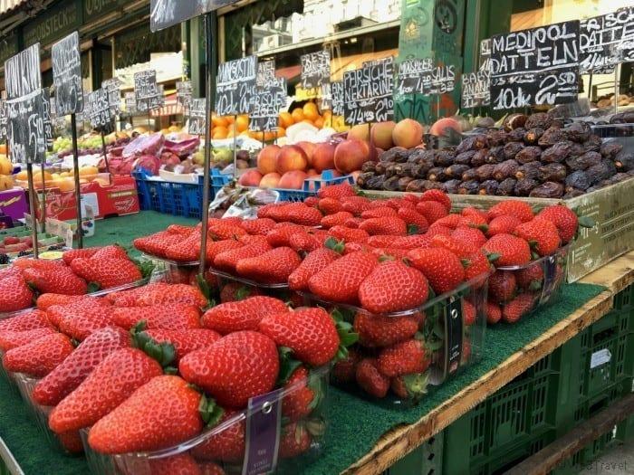 Naschmarkt fruit stand