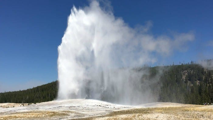 Must do in Yellowstone Old Faithful