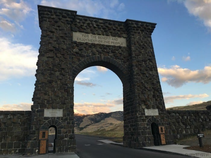 Must see in Yellowstone Roosevelt Arch