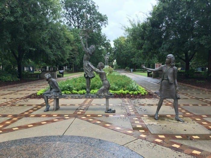 Kelly ingram park monument