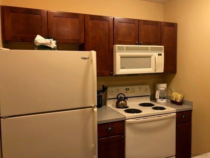 Jackson Gore inn suite kitchen