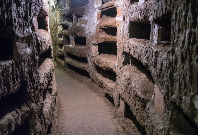 LivItaly catacombs tour
