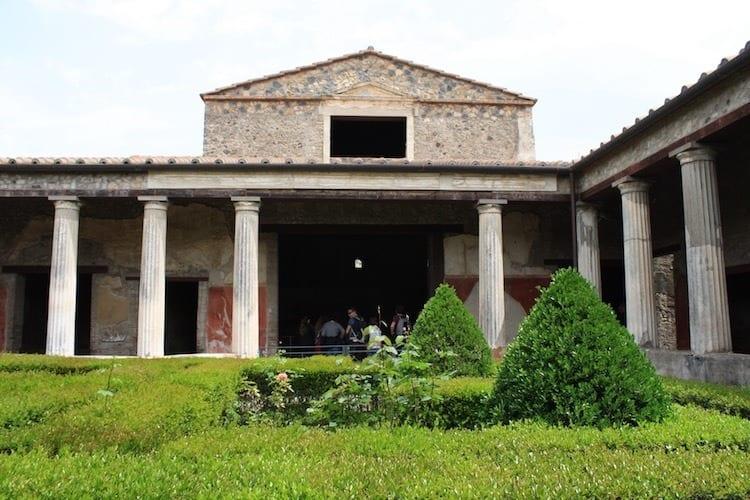 LivItaly Pompeii Amalfi Tour