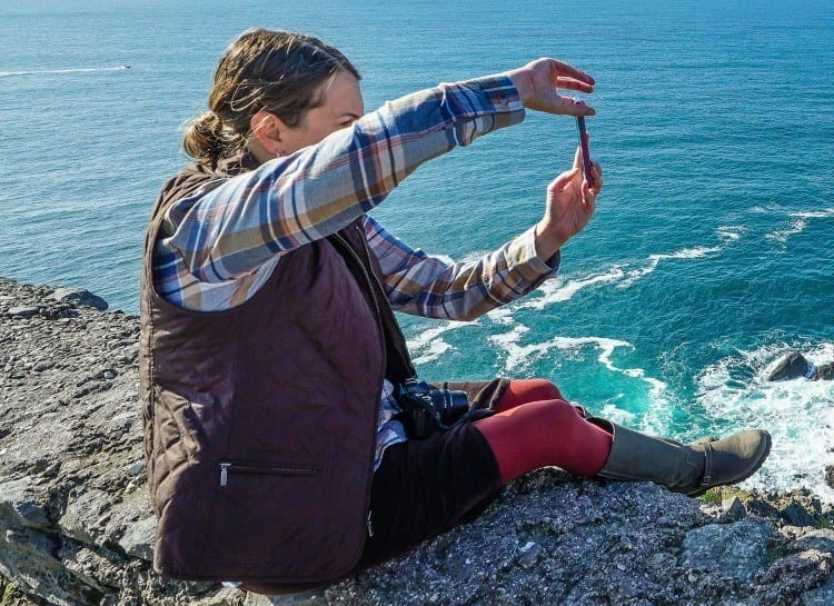 Tamara Gruber We3Travel taking pictures on Dingle Peninsula Ireland