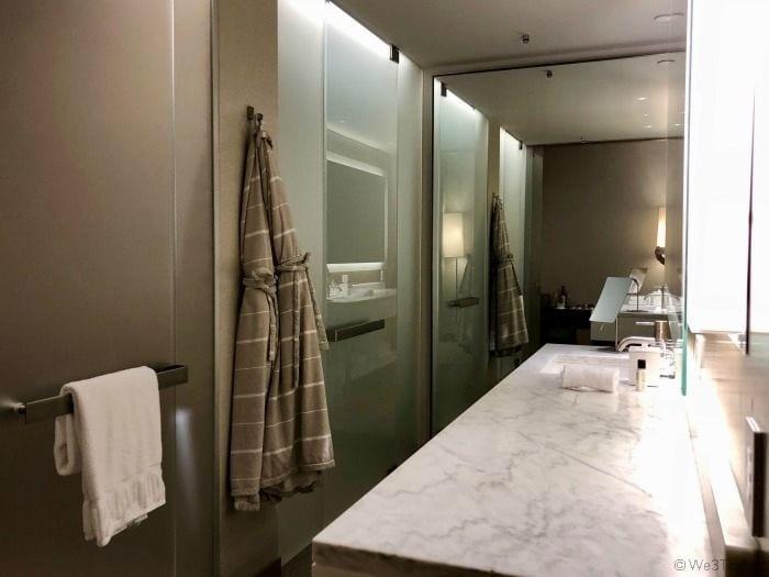 Knickerbocker Hotel bathroom