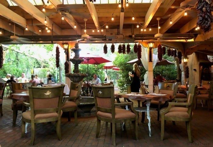 El Pinto Albuquerque dining room