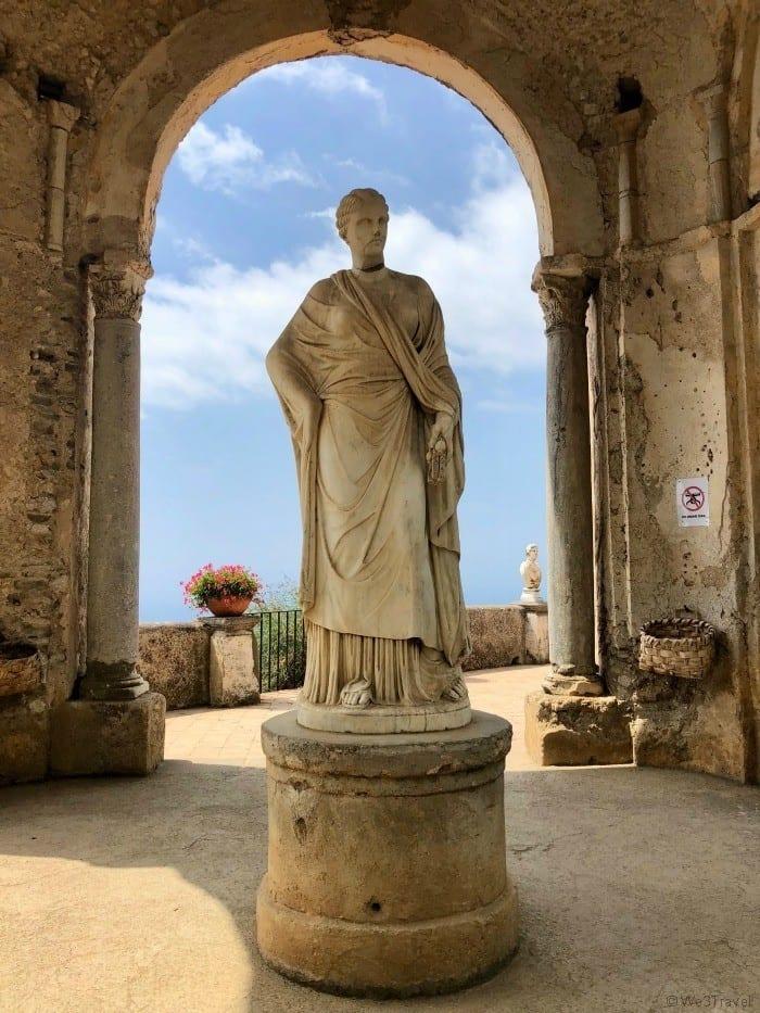 Ravello Villa Cimbrone statue