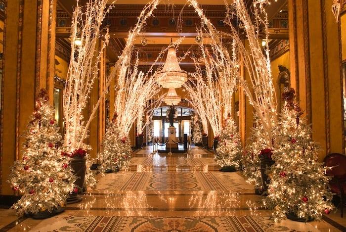 Roosevelt New Orleans christmas lights