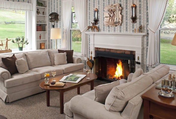Inn on Golden Pond living room
