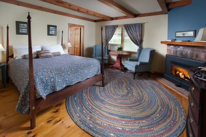 Snowvillage Inn room