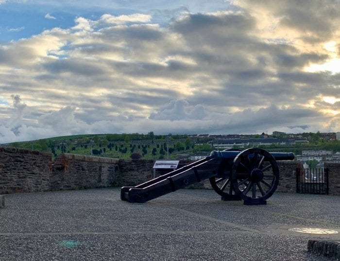 Cannon on the walls of Derry