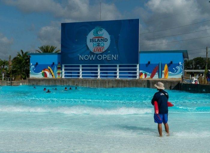 Island H20 Live wave pool