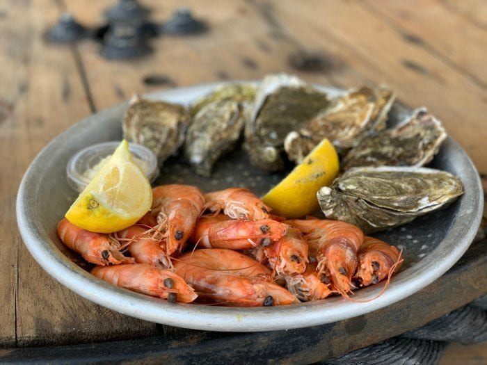 Le Perle Gruissanaise prawns and oysters