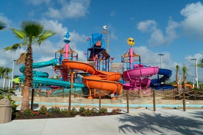 Island H20 Live Pelicans Paradise play area