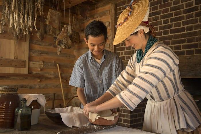 American Revolution Museum at Jamestown making pie crust