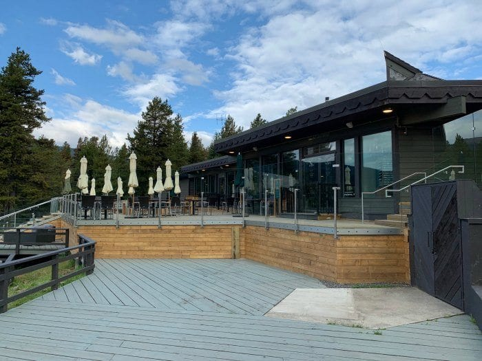 Maligne Lakehouse Restaurant
