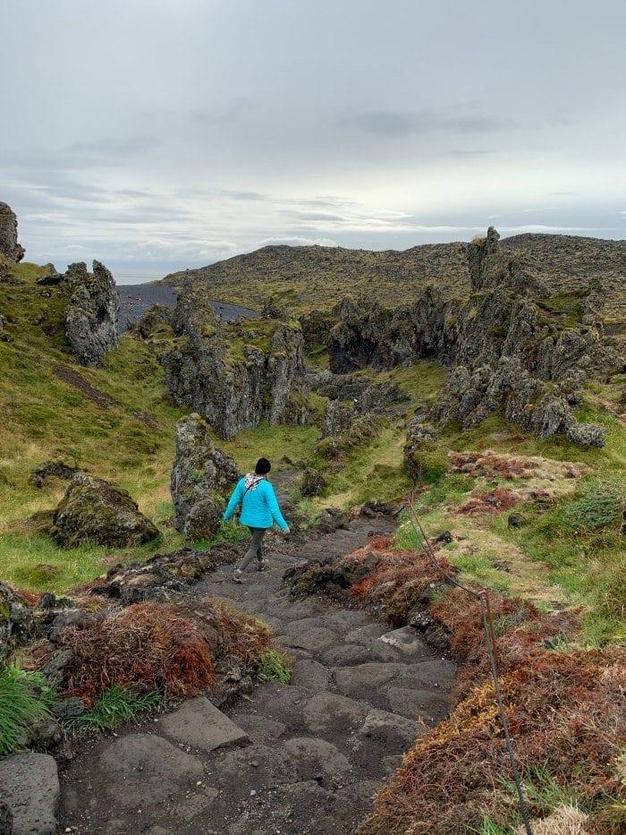 Walking the path to Djúpalónssandur