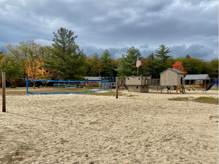 KOA Lincoln / Woodstock beach volleyball and playground
