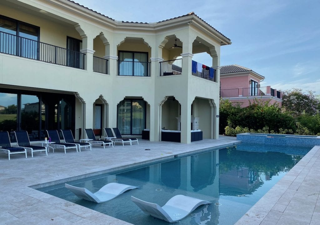 Large house and an outdoor pool in Reunion Resorts in Florida