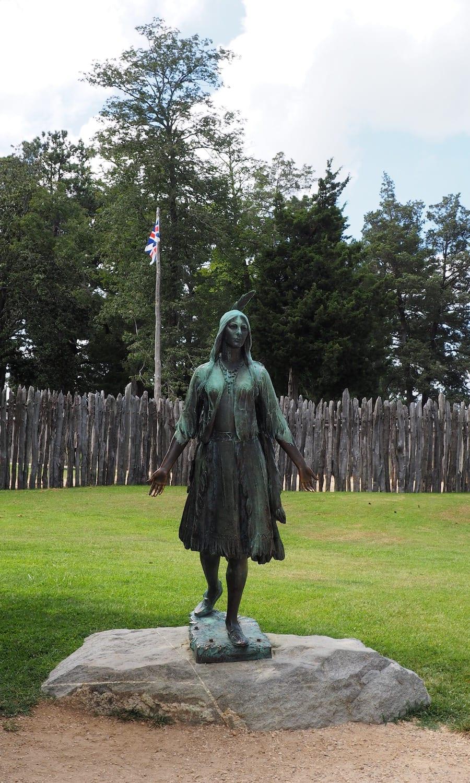Pocohantas statue