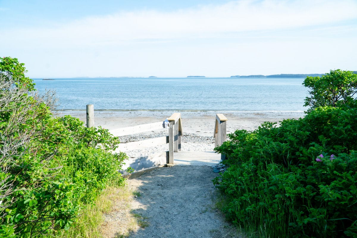 entrance to Roque bluffs state park beach in Maine