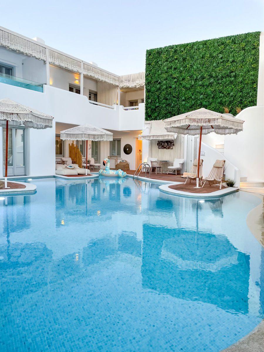 Virtu Suites pool