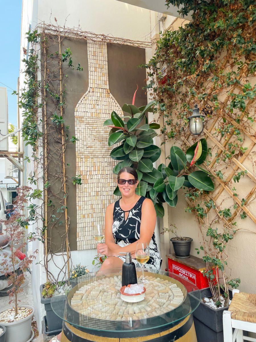 Oinohoros wine bar in Naxos