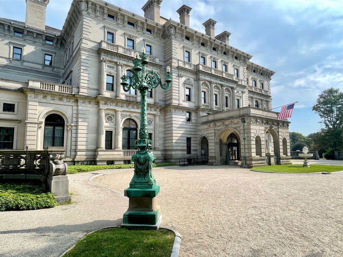 Outside facade of the Breakers Mansion in Newport RI