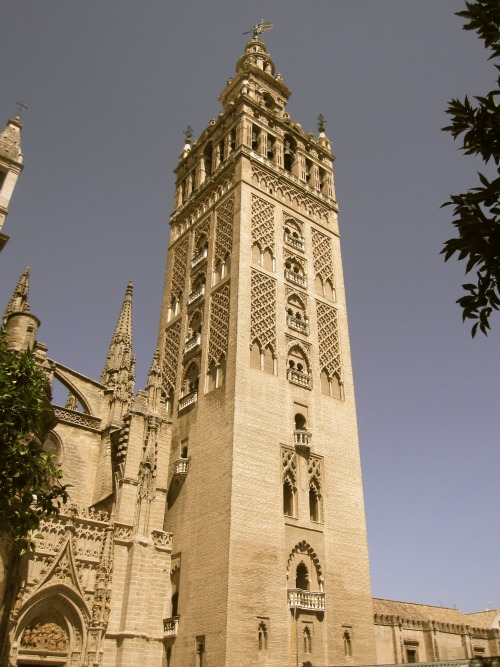 Giraldi Tower   What to do in Seville with Kids via We3Travel