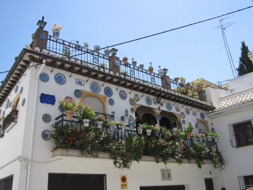 Albayzin | Visiting the Alhambra with kids via We3Travel.com