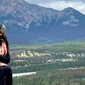 Peak nic in Jasper with Jasper Food Tours