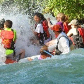 White water rafting on the Deschutes River in Bend Oregon with Sun Country Tours